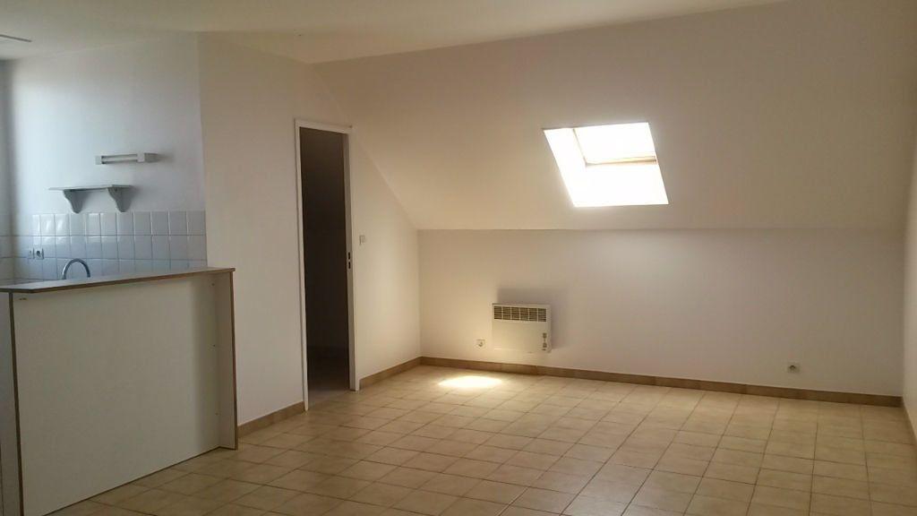 Appartement à louer 1 26.5m2 à Chambry vignette-1