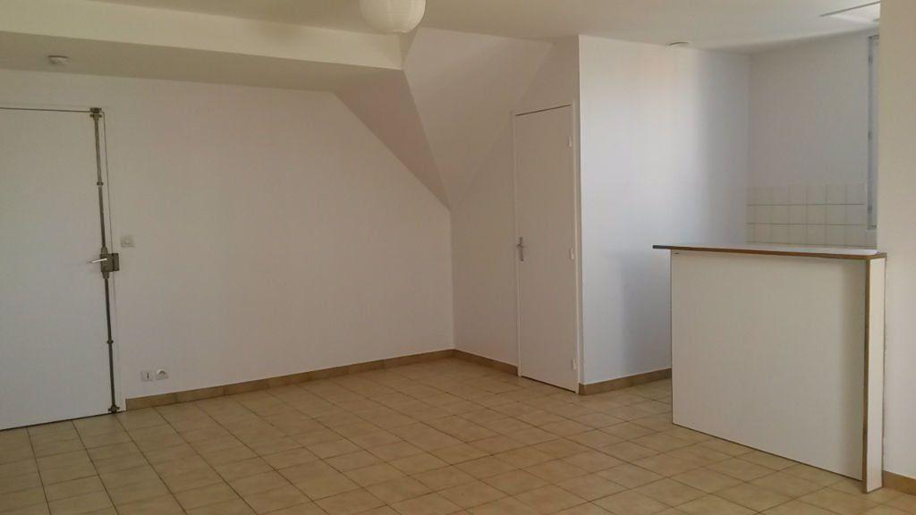 Appartement à louer 1 26.5m2 à Chambry vignette-2