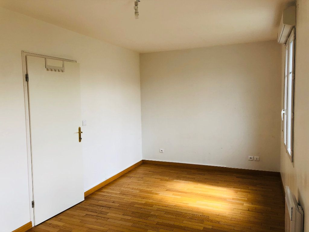 Appartement à louer 4 95.24m2 à Meaux vignette-6