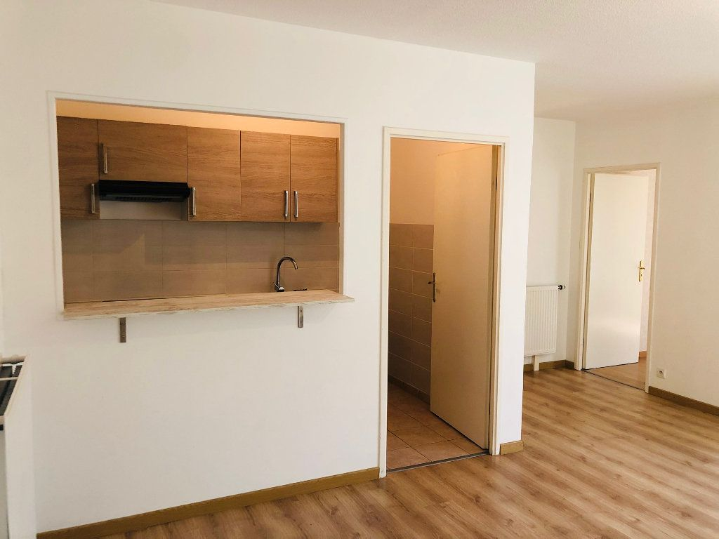 Appartement à louer 2 46.33m2 à Meaux vignette-1
