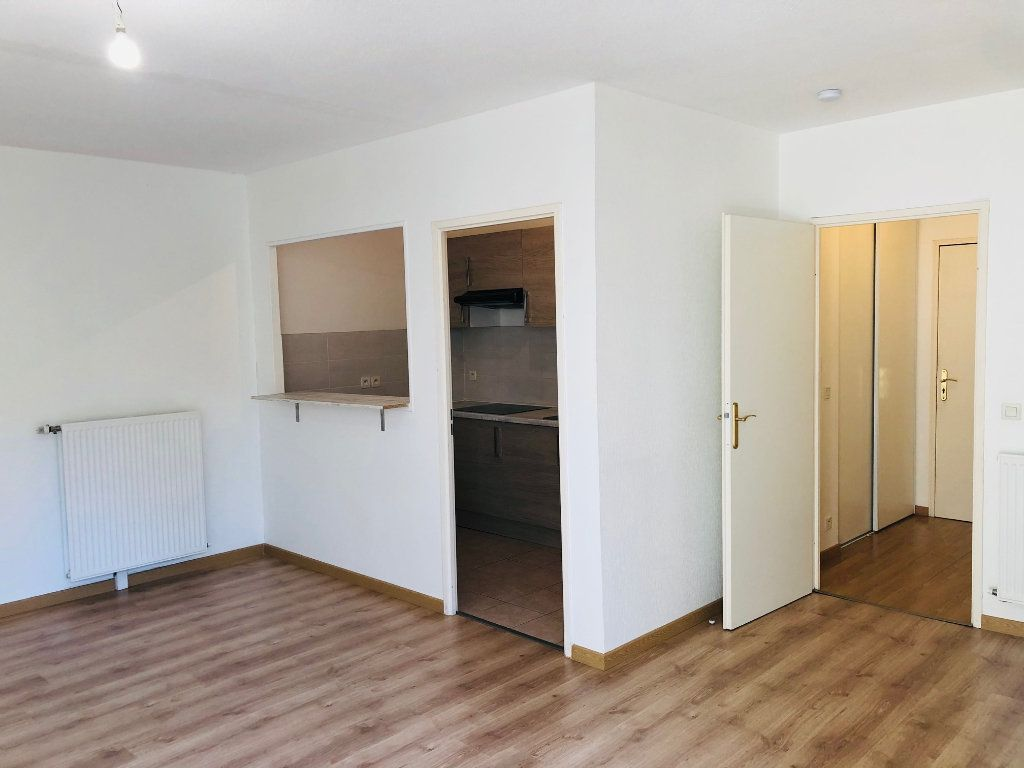 Appartement à louer 2 46.33m2 à Meaux vignette-2