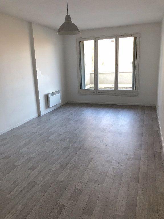 Appartement à louer 2 46.01m2 à Meaux vignette-1
