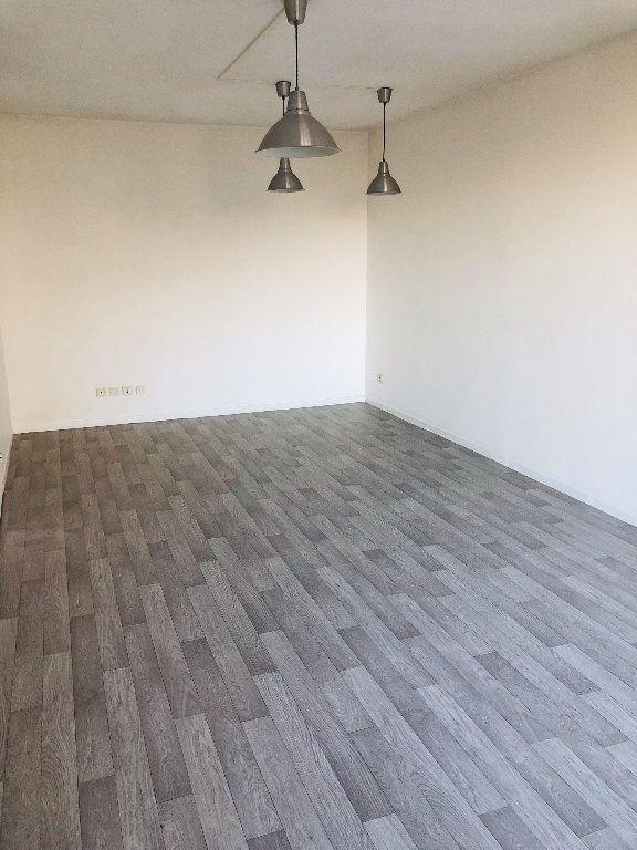 Appartement à louer 2 46.01m2 à Meaux vignette-2
