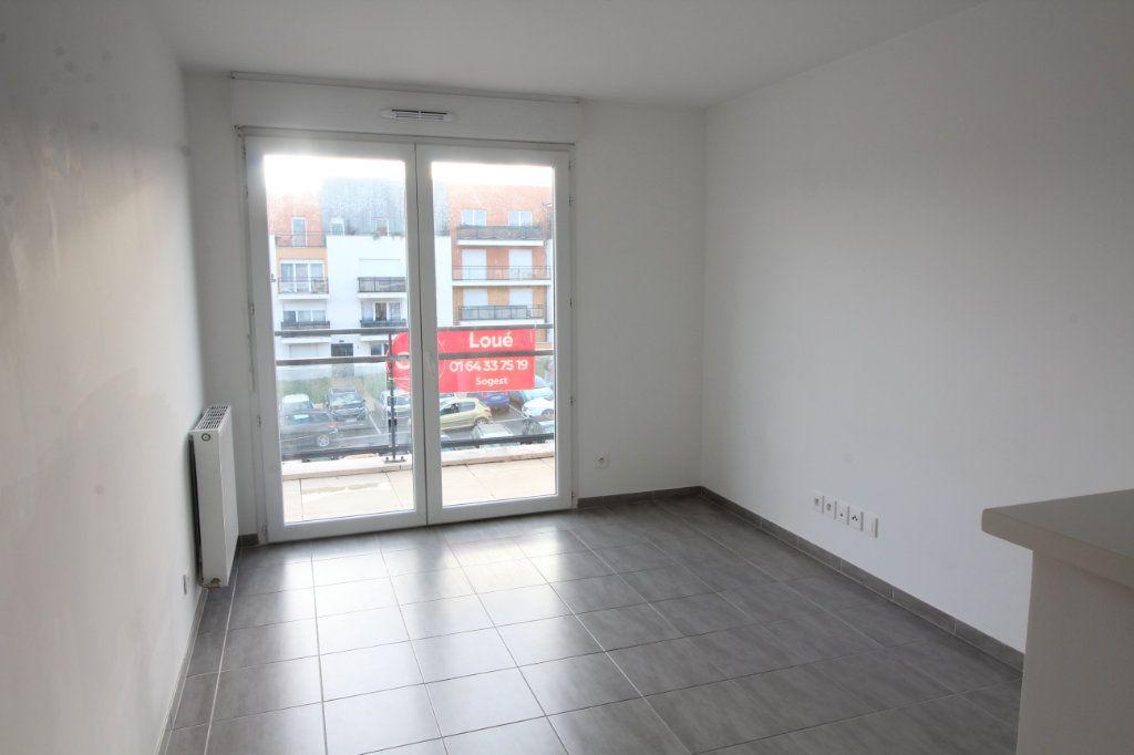 Appartement à louer 2 35.89m2 à Meaux vignette-1