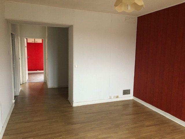 Appartement à louer 4 66.18m2 à Meaux vignette-1
