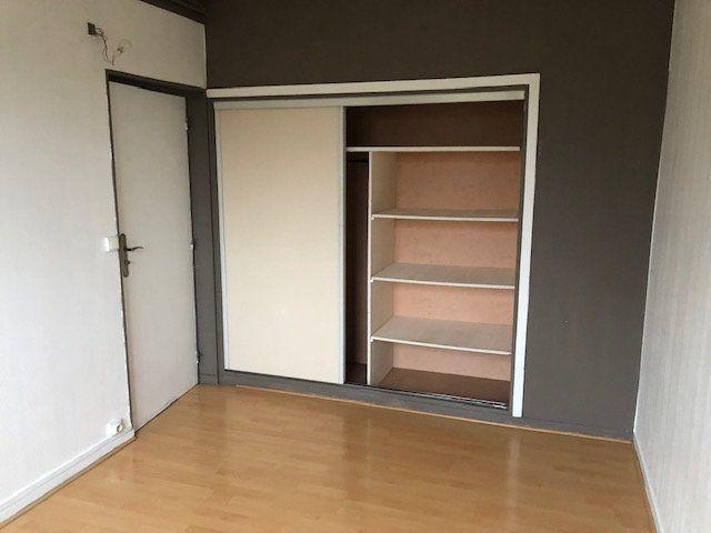 Appartement à louer 4 66.18m2 à Meaux vignette-4