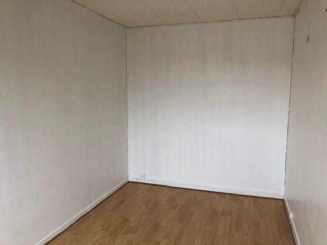 Appartement à louer 4 66.18m2 à Meaux vignette-5