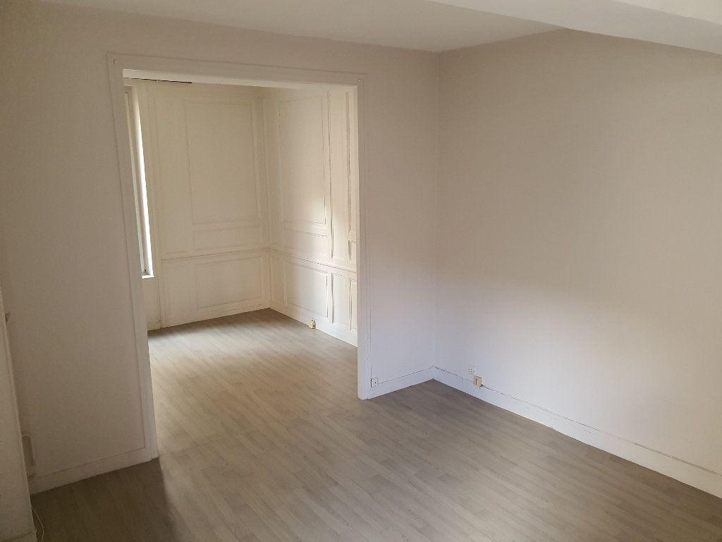 Appartement à louer 3 60.7m2 à Meaux vignette-1