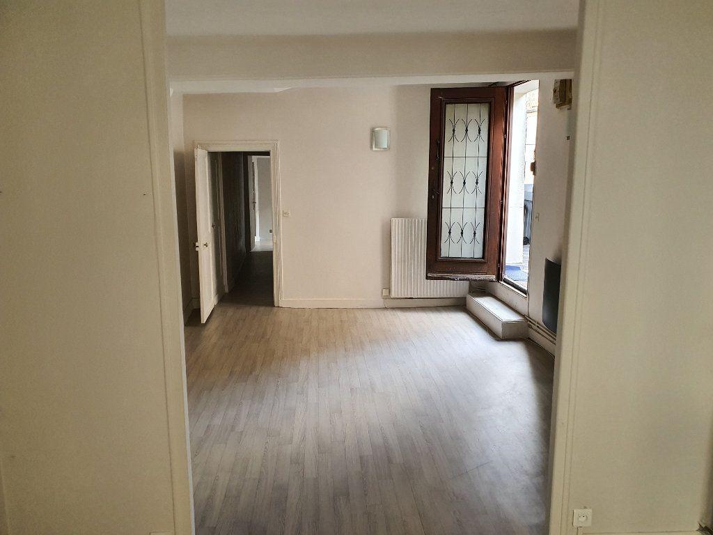 Appartement à louer 3 60.7m2 à Meaux vignette-2
