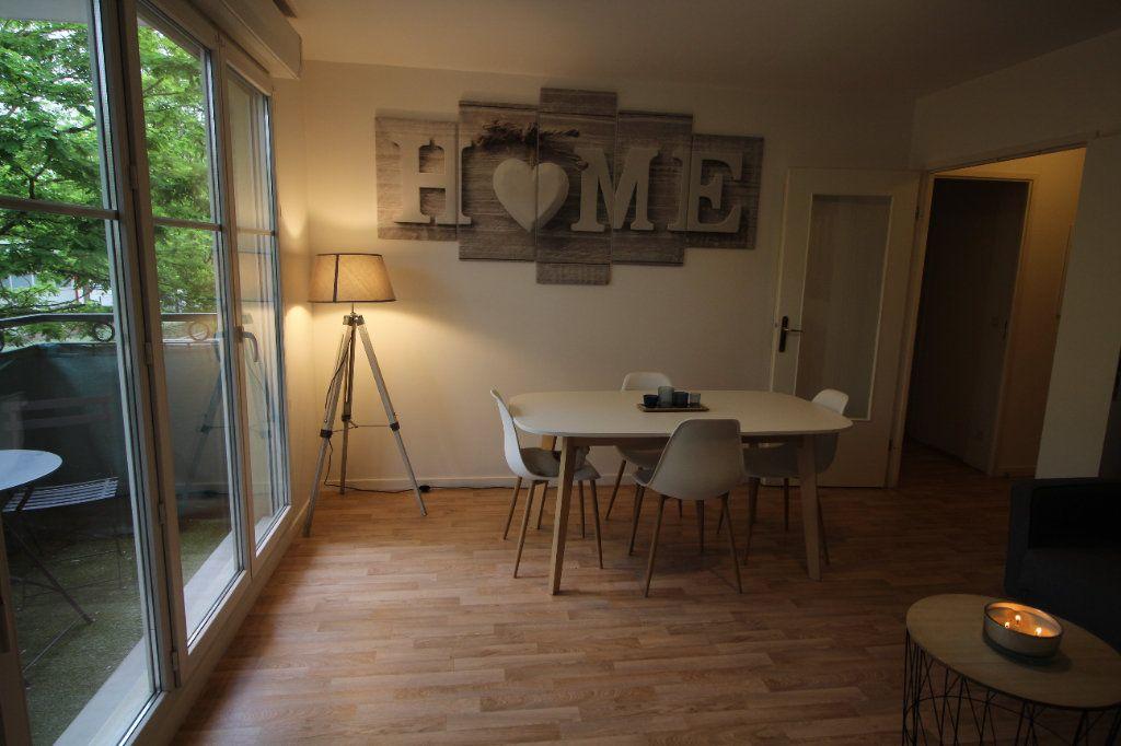 Appartement à louer 3 52.12m2 à Meaux vignette-3