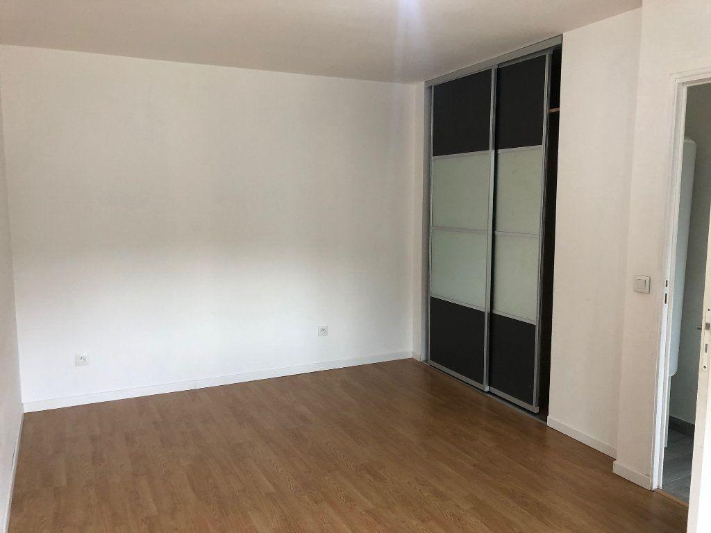 Maison à louer 2 42m2 à Mareuil-lès-Meaux vignette-4