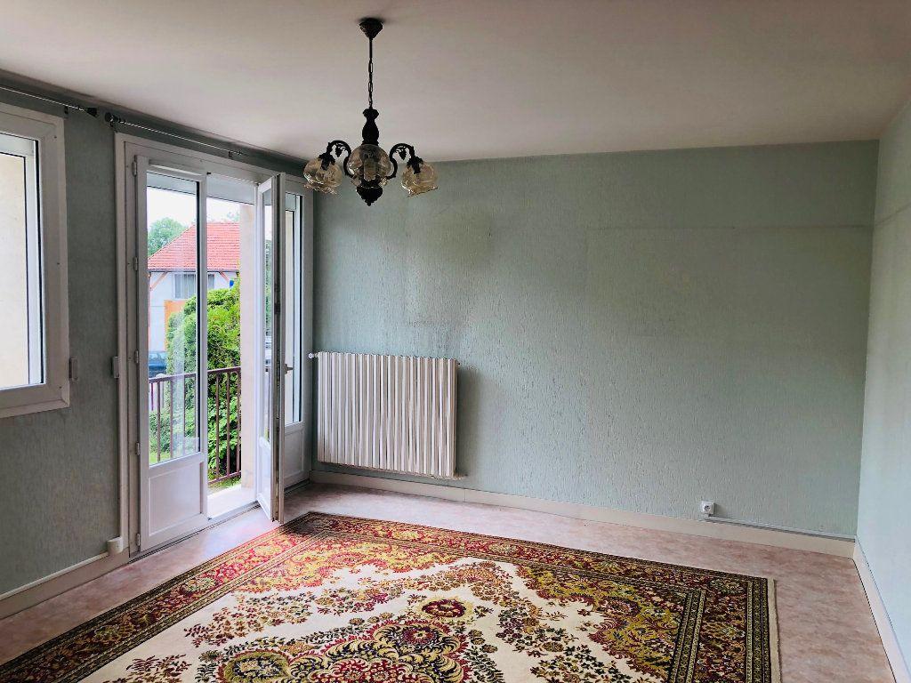 Appartement à louer 3 67.98m2 à Mareuil-lès-Meaux vignette-1