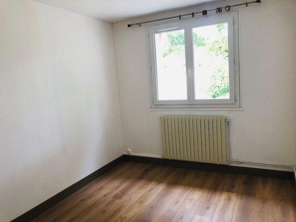 Appartement à louer 3 67.98m2 à Mareuil-lès-Meaux vignette-6