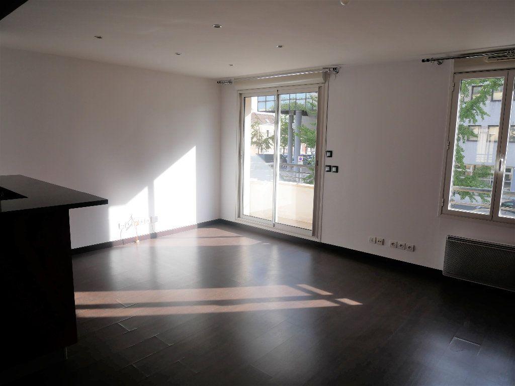 Appartement à louer 2 50m2 à Meaux vignette-3