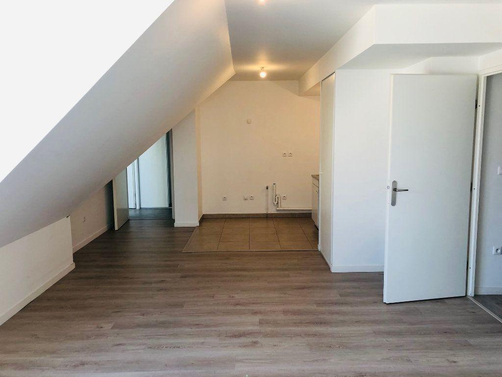Appartement à louer 3 75.35m2 à Esbly vignette-1