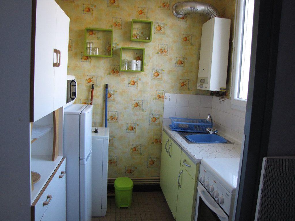 Appartement à louer 1 22m2 à Pornichet vignette-1