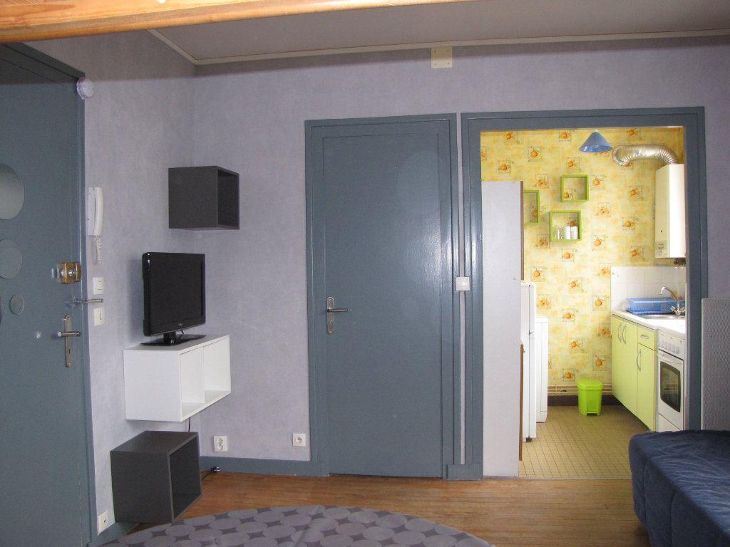 Appartement à louer 1 22m2 à Pornichet vignette-2