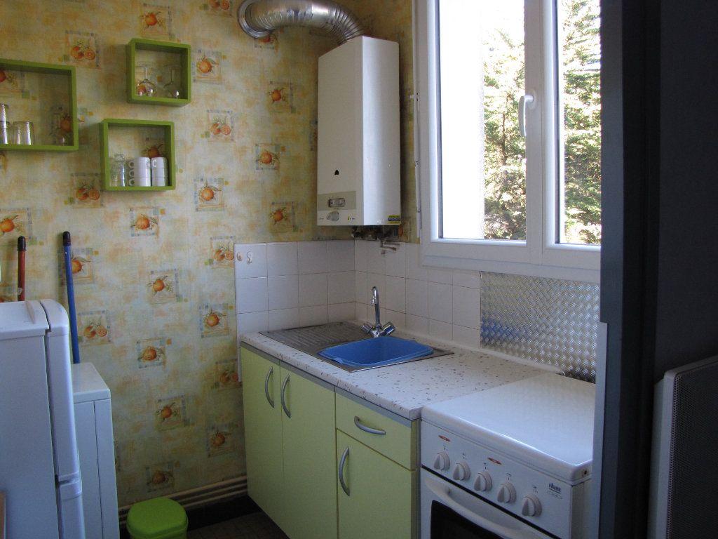 Appartement à louer 1 22m2 à Pornichet vignette-3