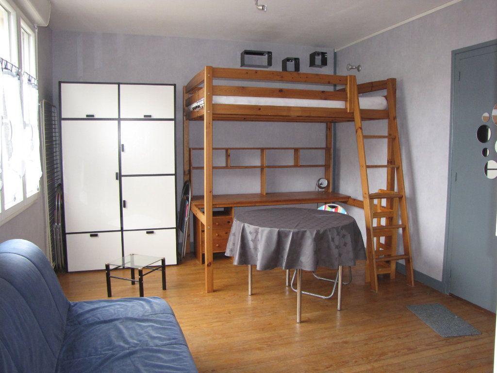 Appartement à louer 1 22m2 à Pornichet vignette-4