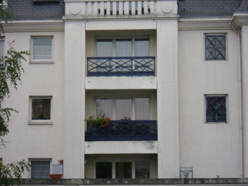 Appartement à louer 2 53.94m2 à Chelles vignette-1