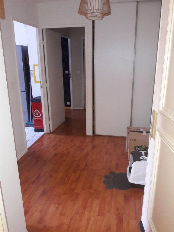 Appartement à louer 2 53.94m2 à Chelles vignette-2