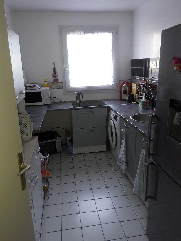 Appartement à louer 2 53.94m2 à Chelles vignette-3