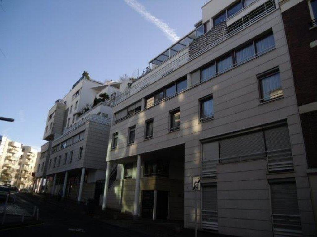 Appartement à louer 1 30.56m2 à Issy-les-Moulineaux vignette-1