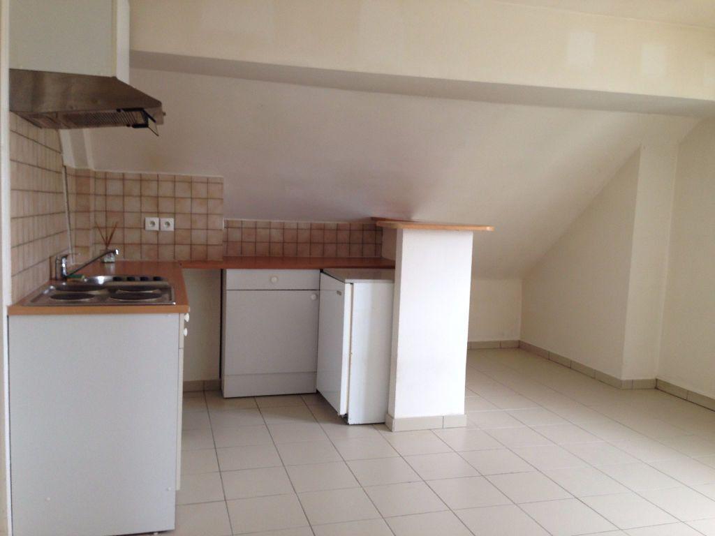 Appartement à louer 3 30.8m2 à Chelles vignette-2