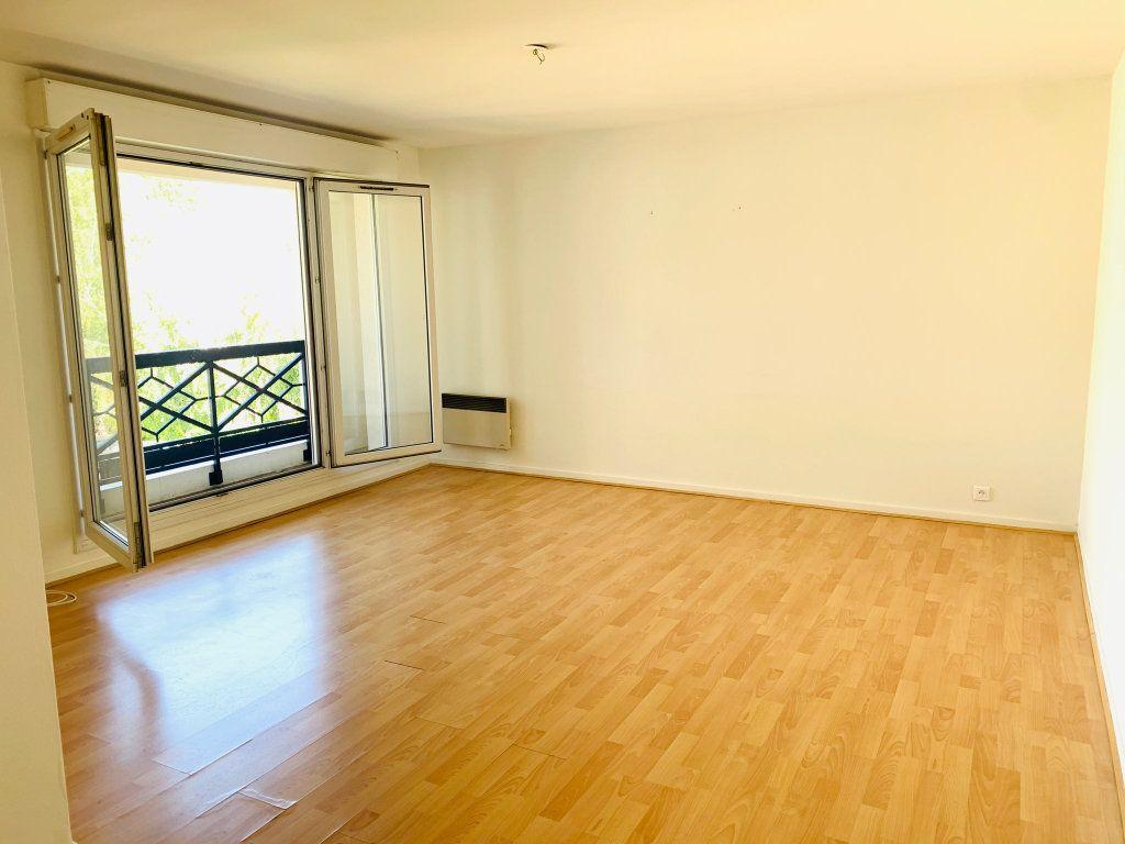 Appartement à vendre 3 72.3m2 à Chelles vignette-2
