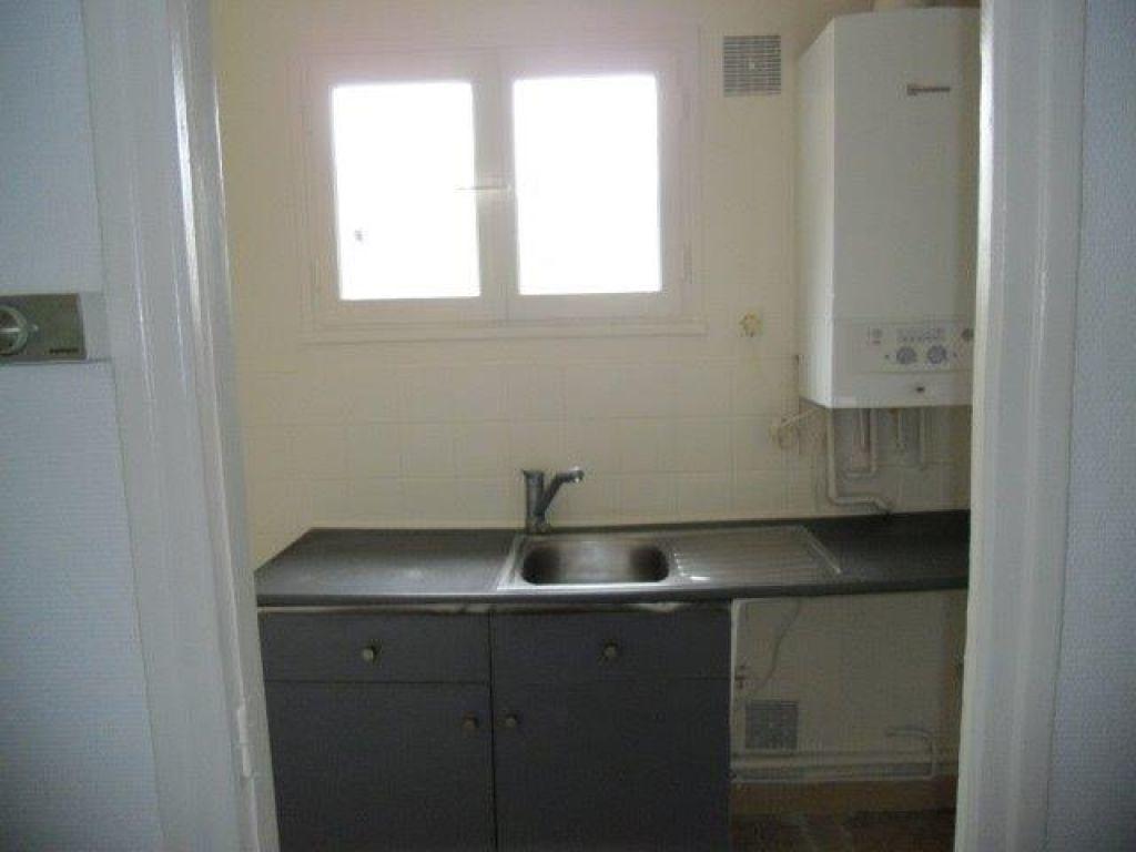 Appartement à louer 2 40m2 à Chelles vignette-2