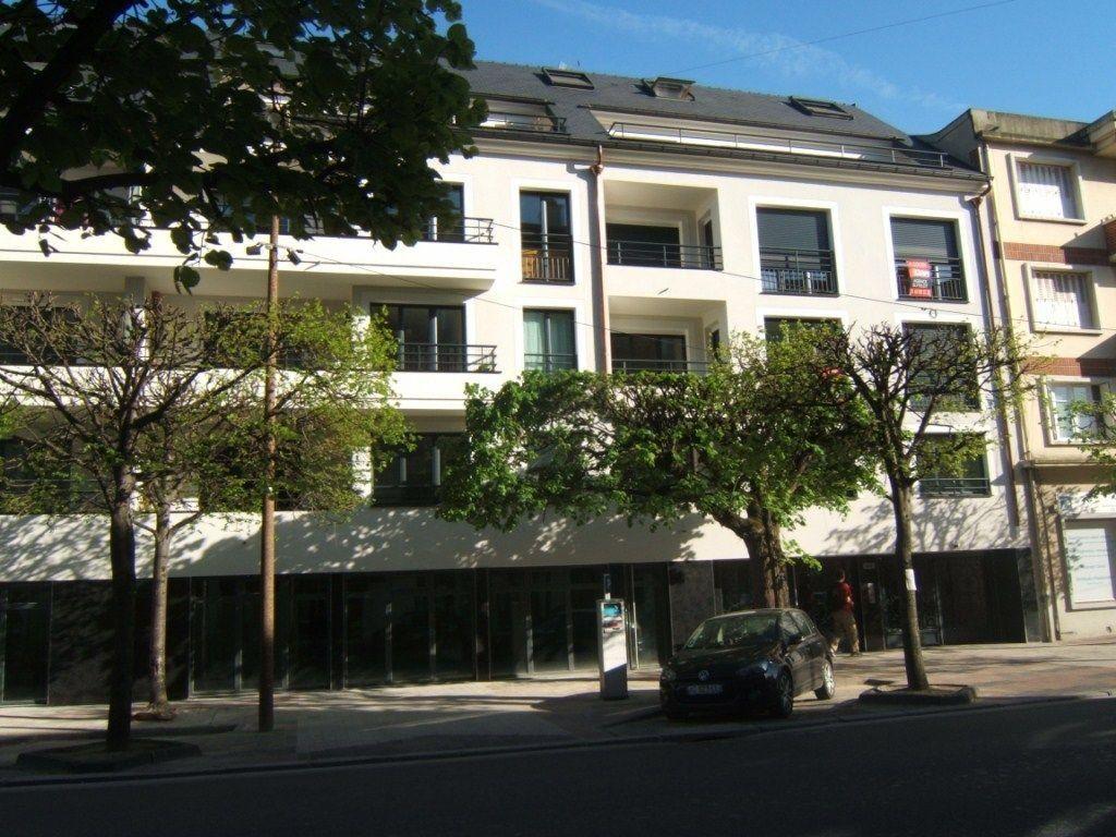 Appartement à louer 3 69.78m2 à Chelles vignette-1