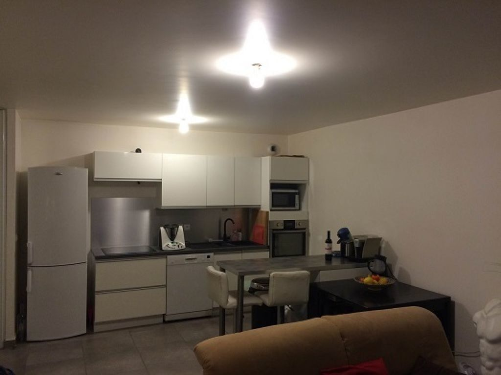 Appartement à louer 3 69.78m2 à Chelles vignette-3
