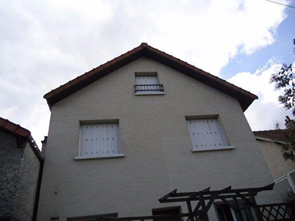 Appartement à louer 4 70m2 à Gagny vignette-2