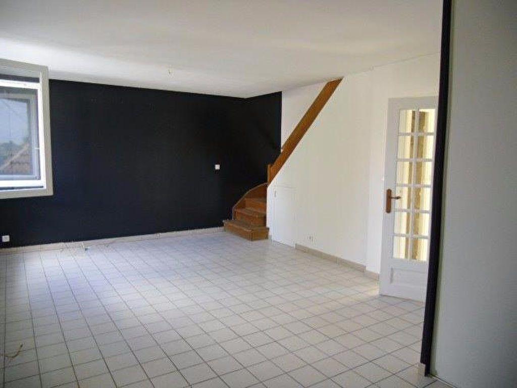 Appartement à louer 4 70m2 à Gagny vignette-5