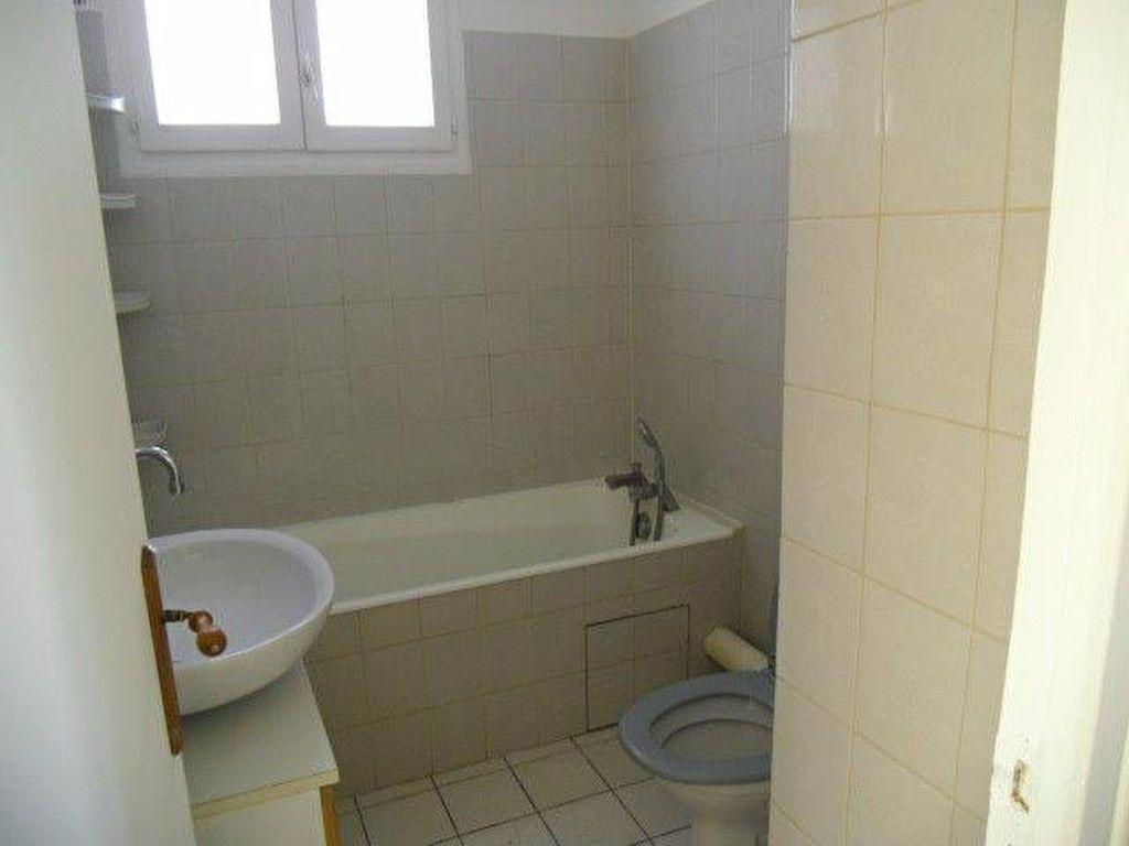 Appartement à louer 4 70m2 à Gagny vignette-7