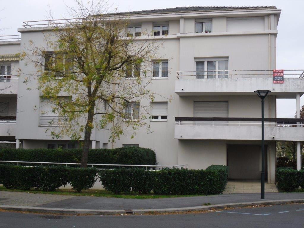 Appartement à louer 2 46.7m2 à Chelles vignette-1