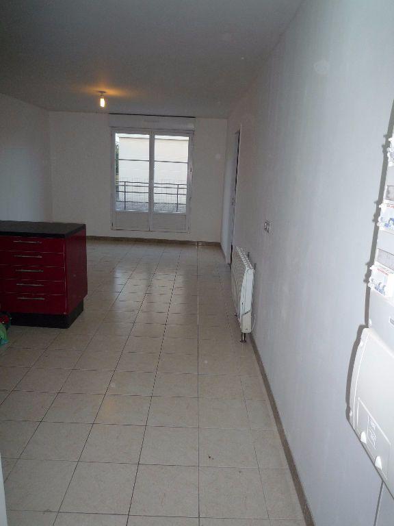 Appartement à louer 2 38.5m2 à Coubron vignette-2