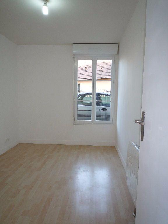 Appartement à louer 2 38.5m2 à Coubron vignette-4