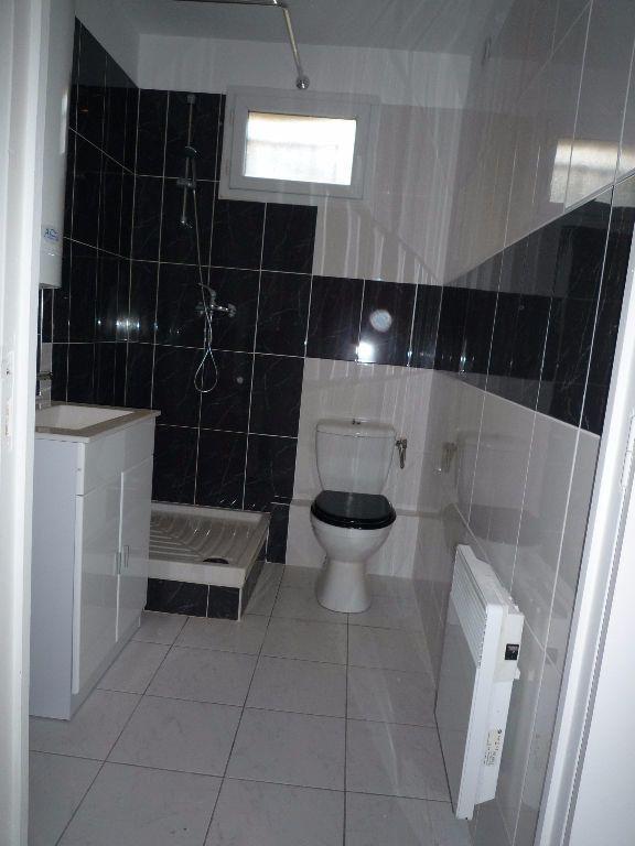 Appartement à louer 2 38.5m2 à Coubron vignette-5