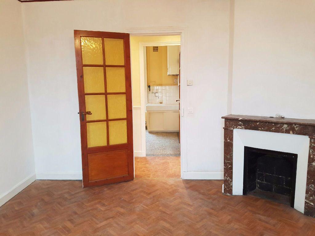 Appartement à louer 3 51m2 à Neuilly-sur-Marne vignette-2