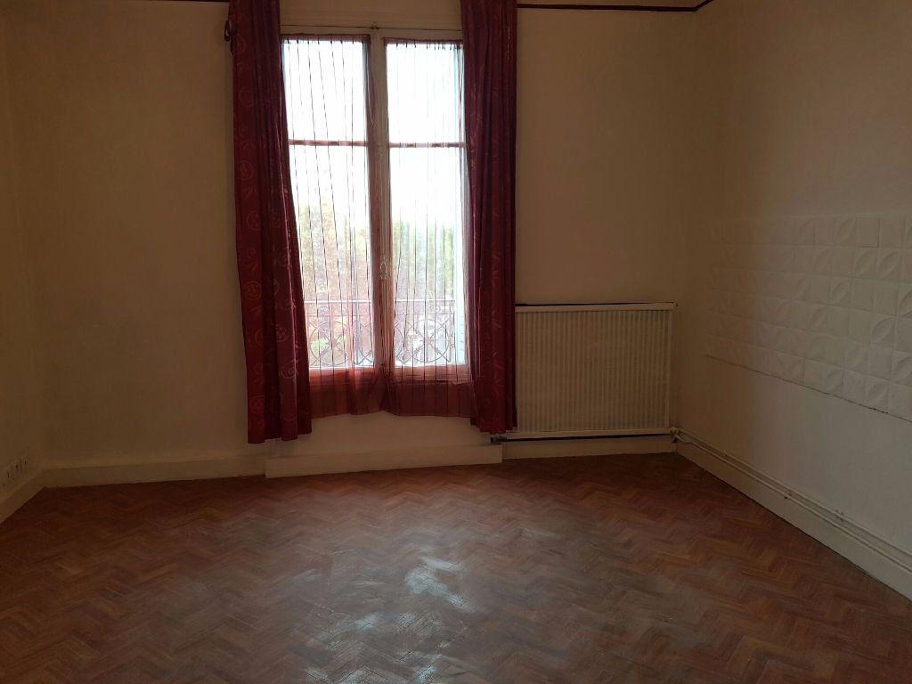 Appartement à louer 3 51m2 à Neuilly-sur-Marne vignette-5