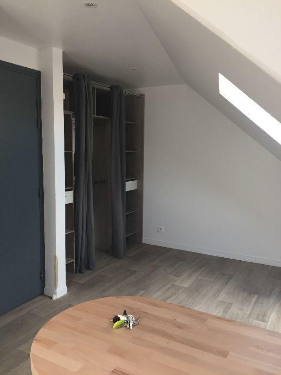 Appartement à louer 1 12.42m2 à Villemomble vignette-2