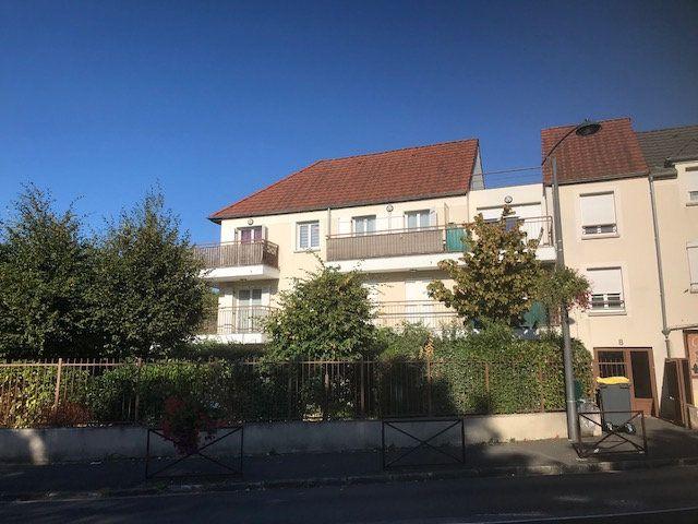 Appartement à louer 1 31m2 à Émerainville vignette-2