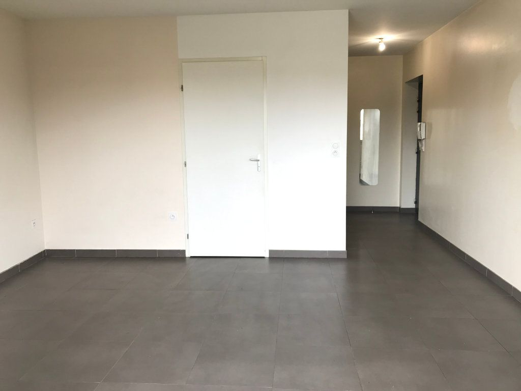 Appartement à vendre 1 28.5m2 à Vaujours vignette-2