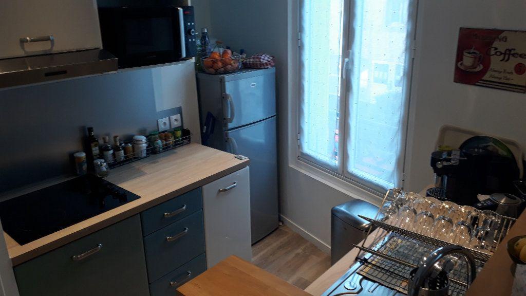 Appartement à louer 2 32.58m2 à Villemomble vignette-3