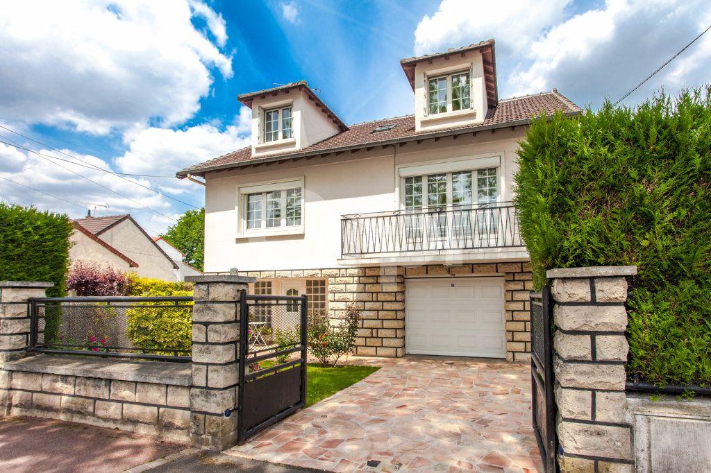 Maison à vendre 5 125m2 à Chelles vignette-1