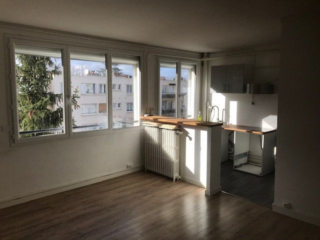 Appartement à louer 4 63m2 à Saint-Maur-des-Fossés vignette-1