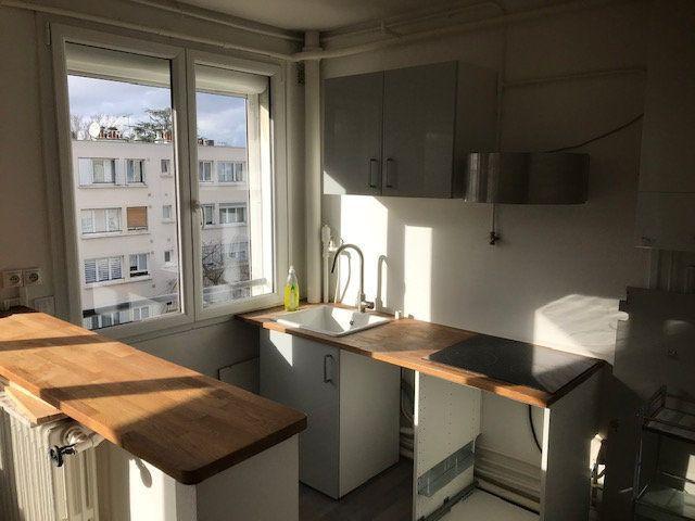 Appartement à louer 4 63m2 à Saint-Maur-des-Fossés vignette-2