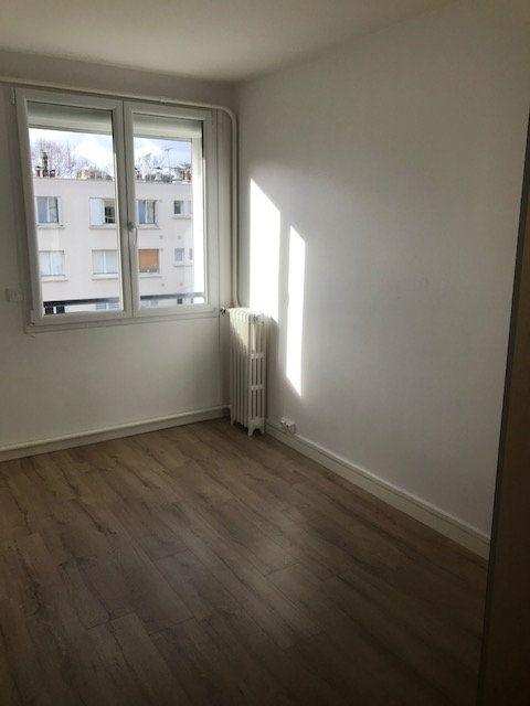 Appartement à louer 4 63m2 à Saint-Maur-des-Fossés vignette-4