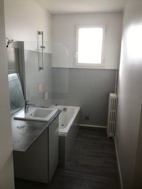 Appartement à louer 4 63m2 à Saint-Maur-des-Fossés vignette-5